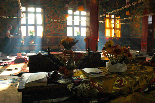 Atmosphere of a Tibetan Monastery. Image by Wonderlane.